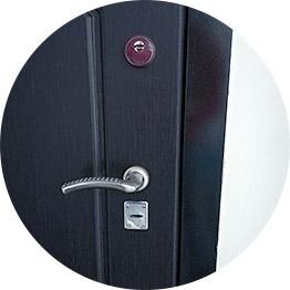Монтаж ручек на межкомнатных дверях