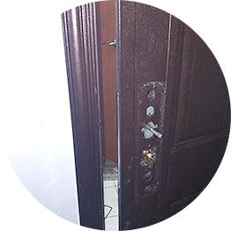 Замена замка Kale в металлической двери